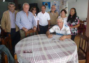 Parte de la comitiva de la AC Isla de La Gomera con Juan Díaz, uno de los gomeros que asistieron al encuentro.